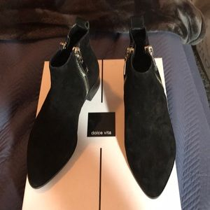 Dolce Vita ankle suede boots NWT size 5.5